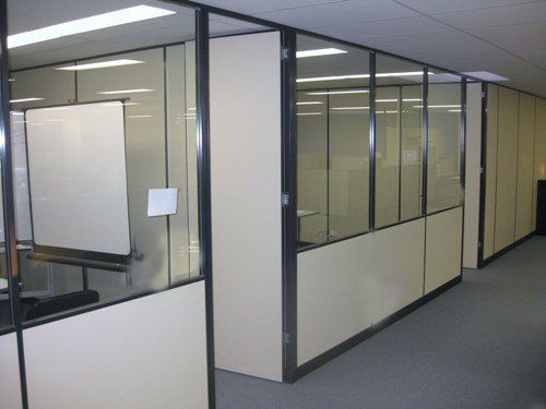 Glass or aluminium wall panel